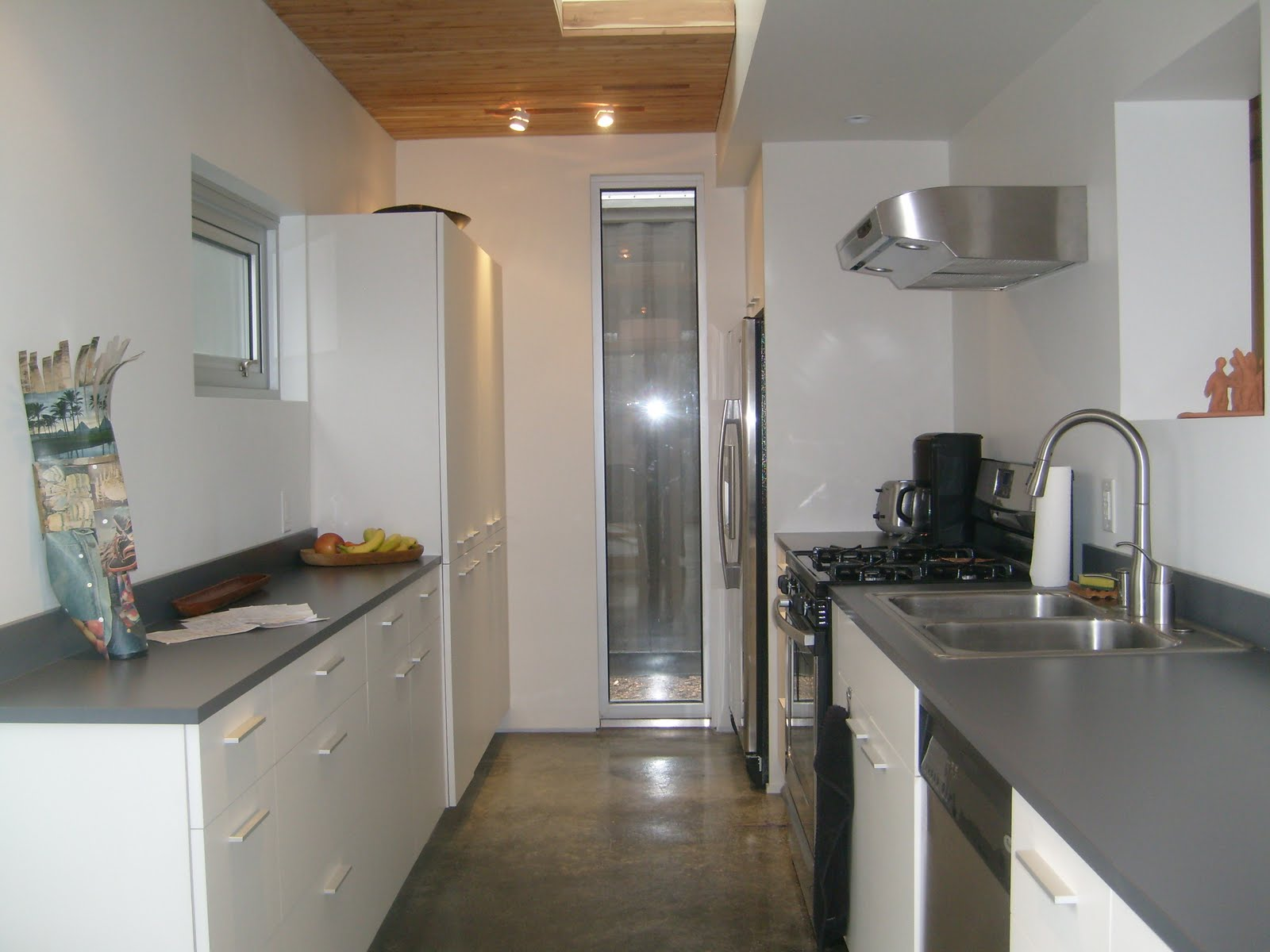 Kitchen shipping container house